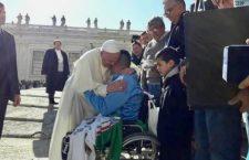 La promessa (compiuta) di Papa Francesco ad un netturbino argentino vittima di un grave incidente