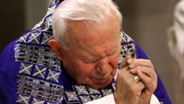8 suggerimenti molto importanti di San Giovanni Paolo II sulla preghiera. Così coinvolgi davvero il Re