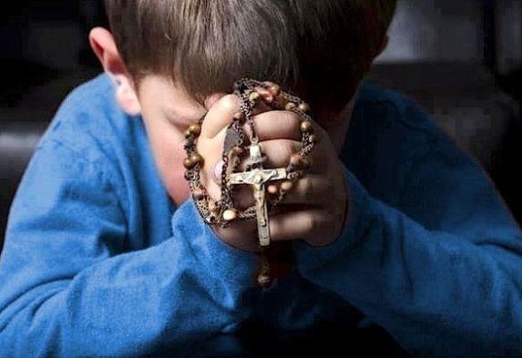 Il-Santo-Rosario-la-preghiera-di-Maria