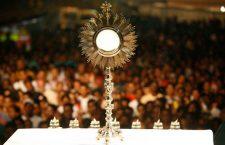 Ti adoreranno, Signore, tutti i popoli della terra. Preghiamo con il Salmo di questo giorno di Festa