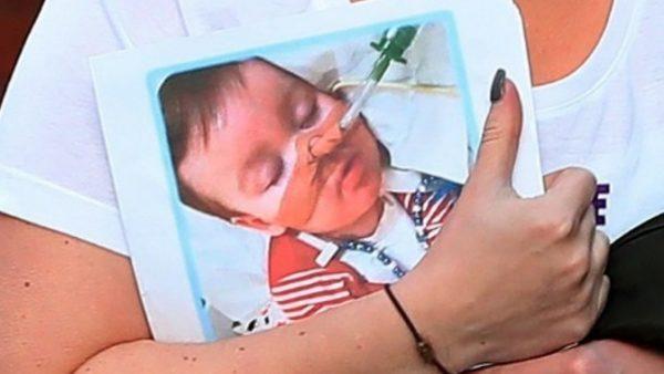 Nuovo caso di OMICIDIO DI STATO: Giudice inglese autorizza a staccare la spina al piccolo Alfie