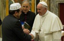 Papa Francesco: è una bestemmia chiamare Dio come garante dei propri crimini