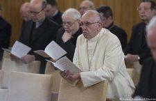 Contro l'accidia, amare come Gesù. Proseguono gli esercizi spirituali di Papa Francesco