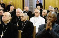 Nella parabola del figliol prodigo ci sono famiglie come la nostra. Gli esercizi spirituali del Papa