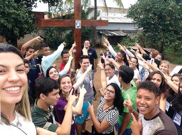 giovani e croce