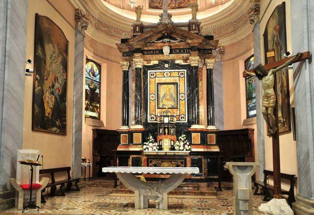 Ogni giorno una Lode a Maria 17 agosto 2020, Madonna dei miracoli di Carnago, prega per noi