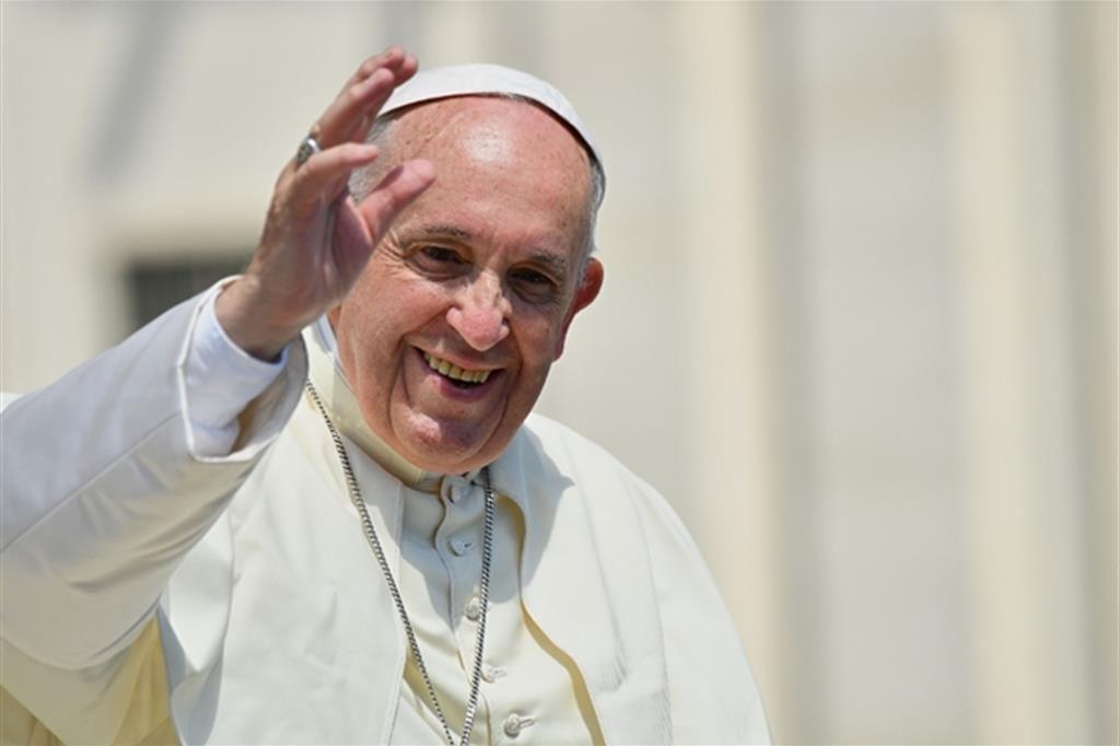 Ha avuto inizio questa mattina il 24° Viaggio Apostolico internazionale di Papa  Francesco in Irlanda. L aereo con a bordo il Santo Padre (un A320 ... 7ce1b2033ed4