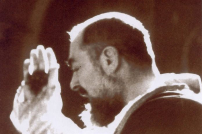 Padre Pio stimmate