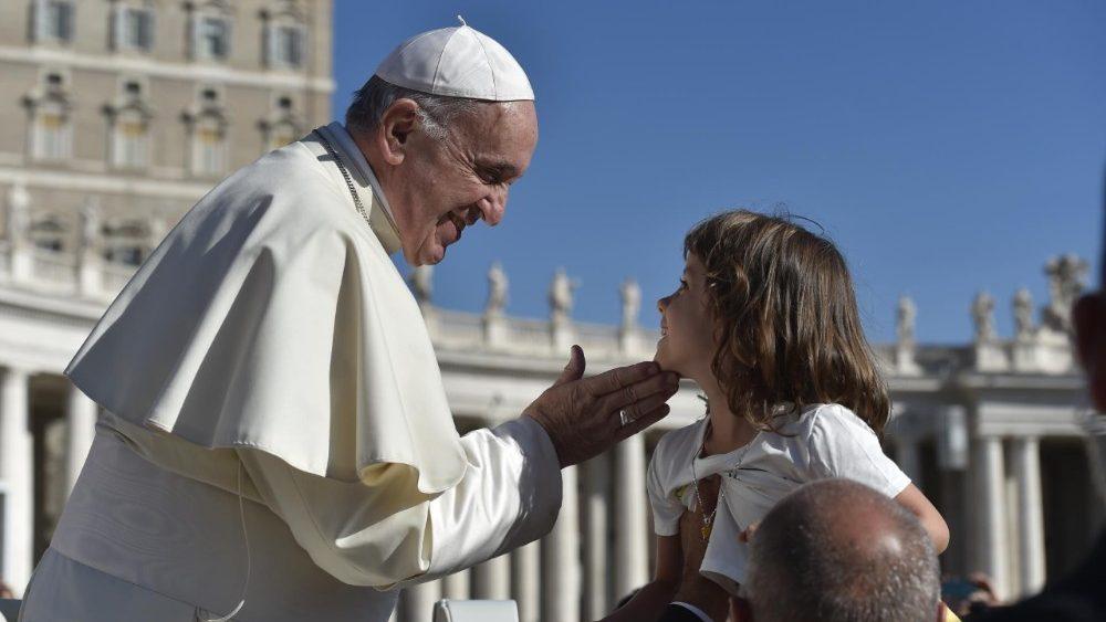 Papa Francesco: 'L'amore rende liberi anche in carcere, anche se deboli..'