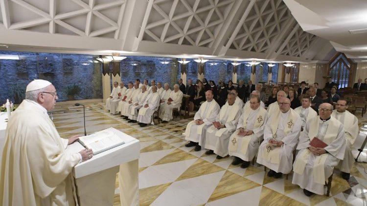 Papa Francesco Santa Marta bianco 13 settembre 2018
