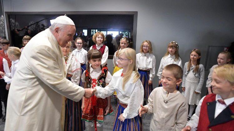 Papa Francesco lettonia
