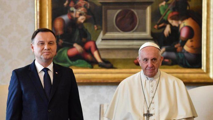 Papa incontra Duda