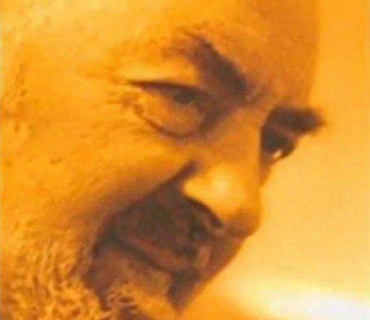 58f6898b7440 Preghiera della notte 14 gennaio 2019 La benedizione di Padre Pio per  portare pace nella tua casa