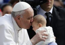 Pope-Francis-Kissing-To-Baby