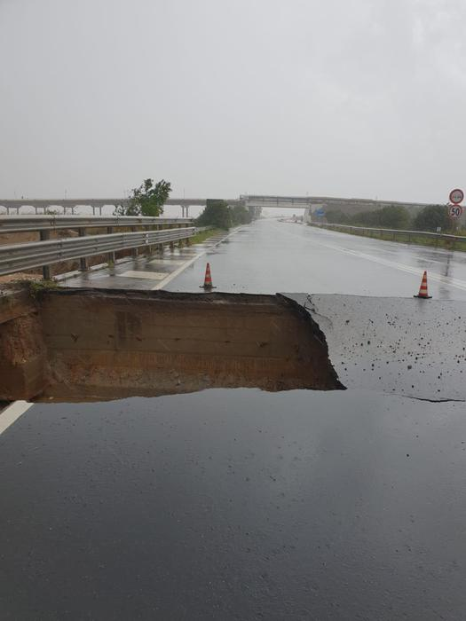 Maltempo: chiusa provinciale 91 (Capoterra, zona spiaggia Maddalena) per crollo strutturale