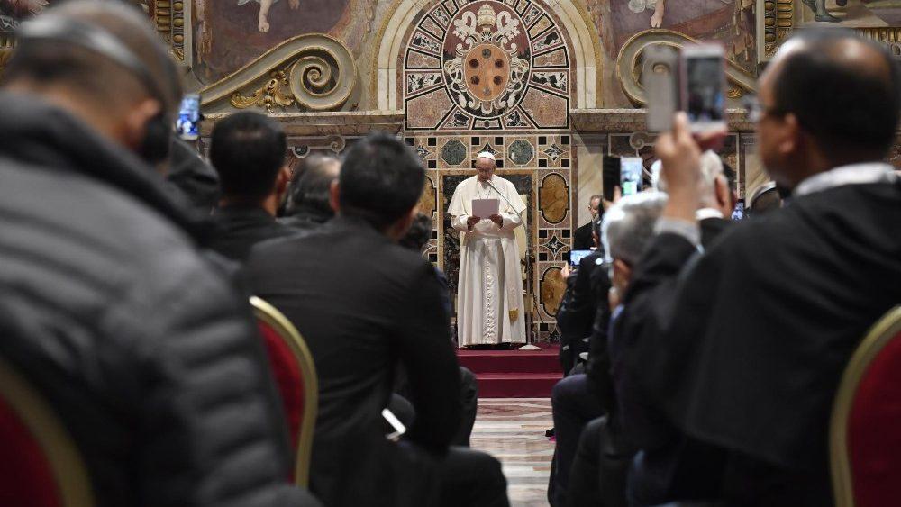 Papa Francesco incontra santuari mariani
