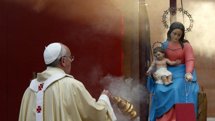 Volete salvarvi? Siate devoti della Vergine Santissima, Mediatrice di tutte le grazie, recitando ogni giorno Tre Ave Maria.