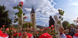 benedizione dei bambini a Medjugorje