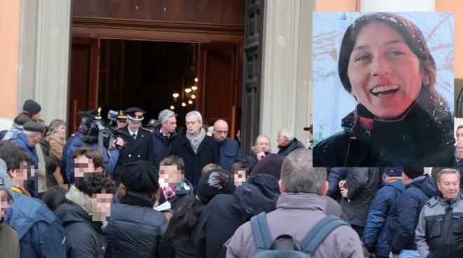 Corinaldo, i funerali di mamma Eleonora