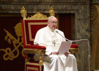 papa-francesco-sala-clementina_1511176240_1544785605