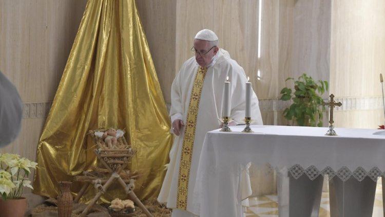 Papa alla Messa a Casa Santa Marta