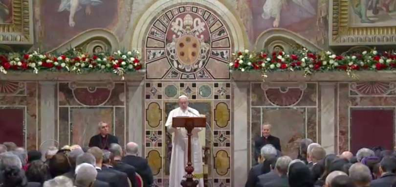 Papa Francesco durante il discorso ai membri del Corpo Diplomatico accreditato presso la Santa Sede, Sala Regia, Palazzo Apostolico vaticano, 7 gennaio 2019