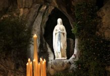Our_Lady_of_Lourdes_grotto_Lourdes_France