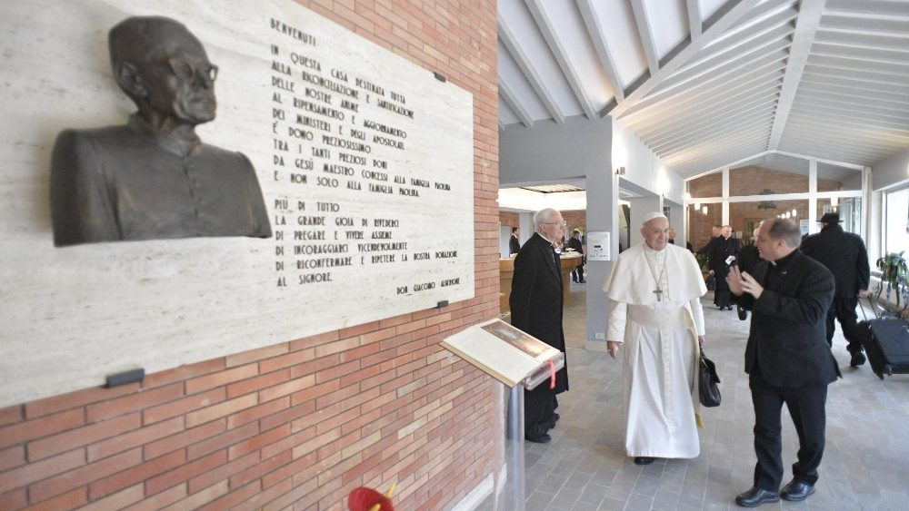 Papa FRancesco.Ariccia.Esercizispirituali
