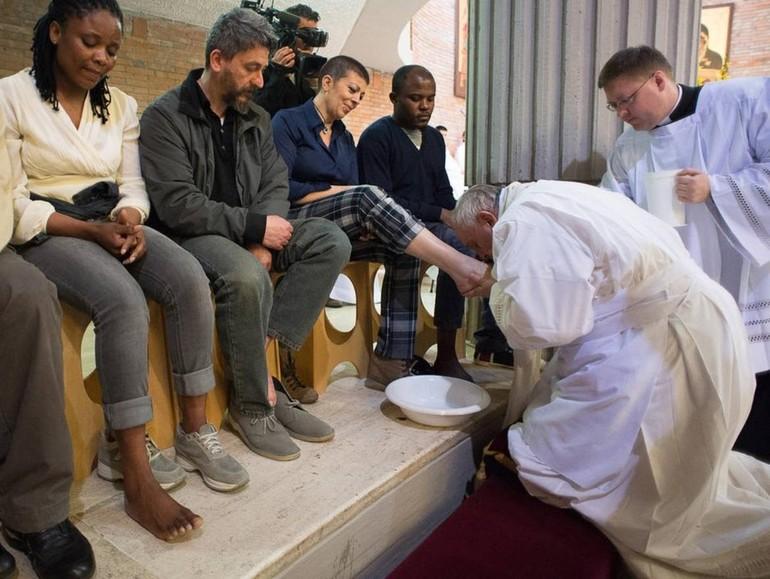 Papa Francesco nella Lavanda dei Piedi