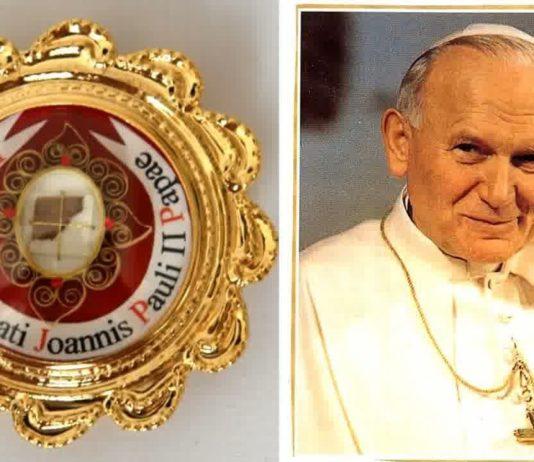 reliquia con il sangue di Papa Wojtyla