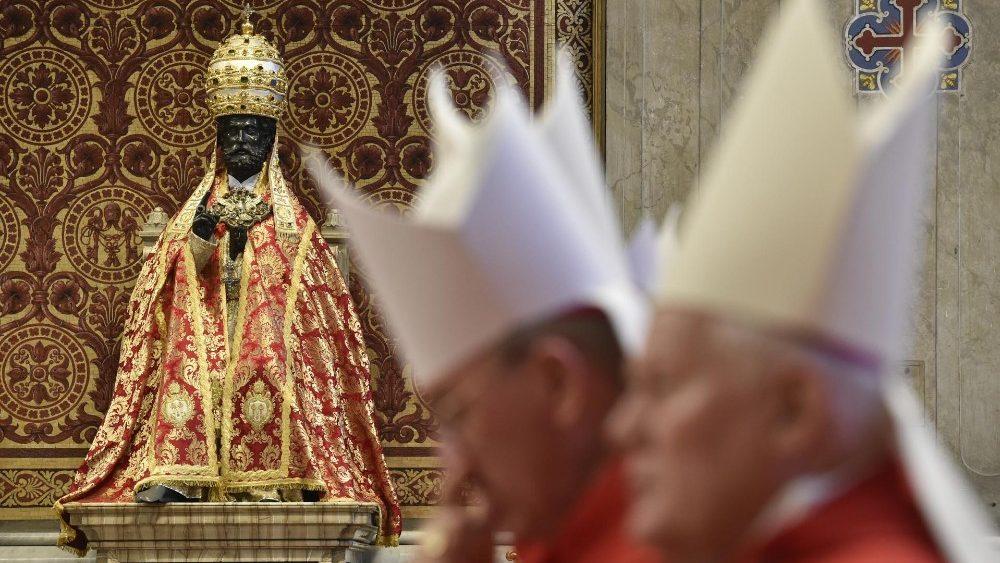 Papa Francesco nell'Angelus: Preghiamo per la pace tra Corea e Stati Uniti