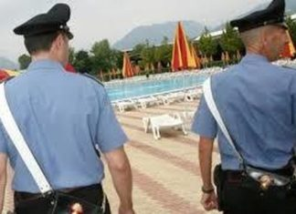 poliziainpiscina