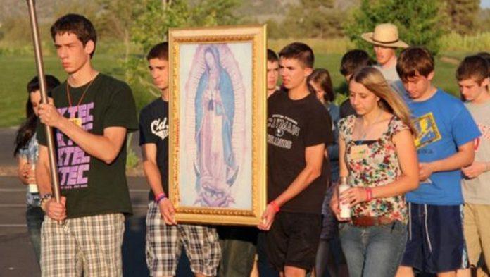Ogni giorno una Lode a Maria, lunedì 24 Agosto 2020, Madre di tutti i giovani, prega per noi