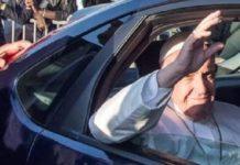 papa rientra in vaticano dopo africa