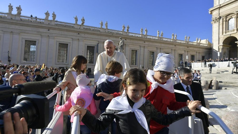 Papa: ideologi purezza Chiesa adorano dogmi non Dio