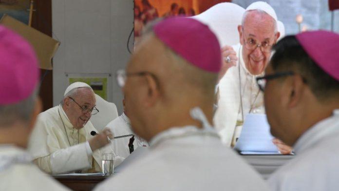 Nel Santuario dedicato al martire thailandese Nicolás Bunkerd Kitbamrung, Papa Francesco invita i vescovi locali e della FABC (la Federazione delle C