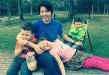Mamma uccide i tre figli di 11, 9 e 7 anni, poi si toglie la vita