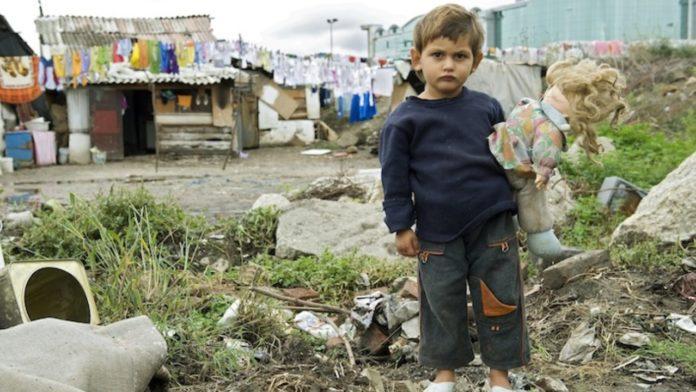 bambino-povero-natale