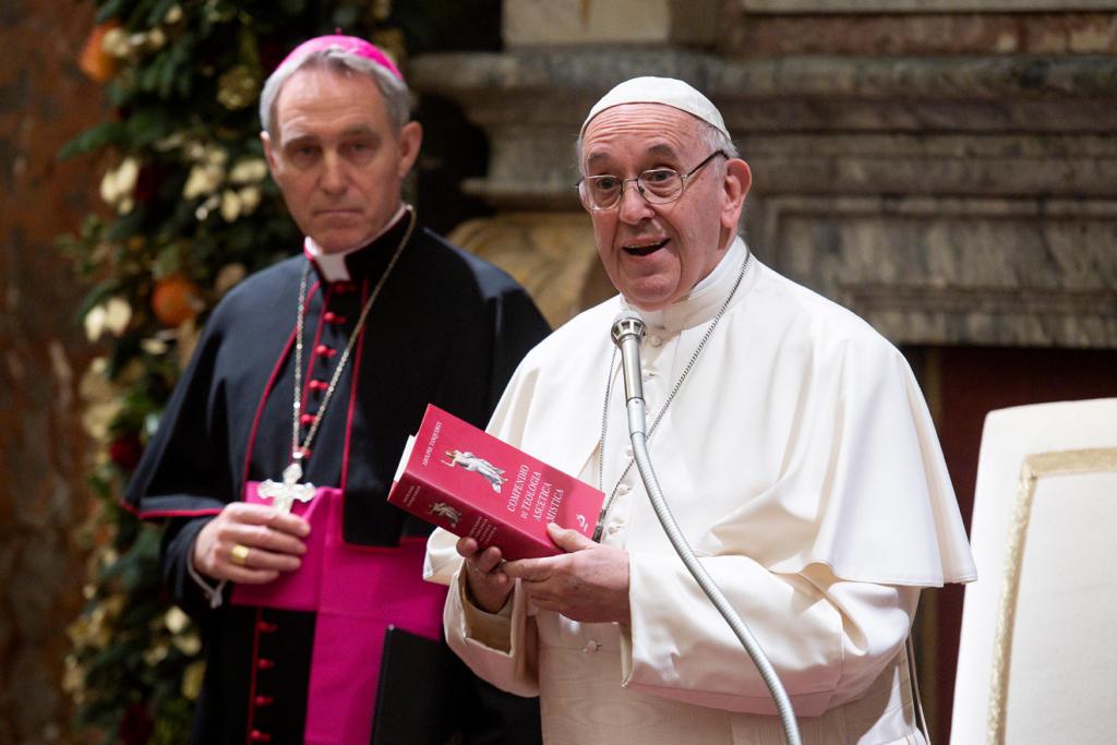 Auguri Di Natale Papa Francesco.Gli Auguri Di Natale Di Papa Francesco In Un Video Messaggio Ognuno Ha Un Senso Nella Vita Papaboys 3 0