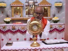 Gesù appare in un'ostia india