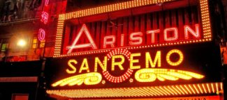 Amadeus parla di Sanremo 2020 e noi gli ricordiamo il tributo dei Papaboys2
