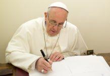 Papa Francesco 'Perché tu possa raccontare e fissare nella memoria (Es 10,2). La vita si fa storia'. È il tema scelto per la 54ª Giornata mondiale delle Comunicazioni sociali2