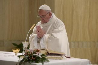 Papa Francesco a Santa Marta 'la gioia del popolo di Dio perché Dio era con loro'2