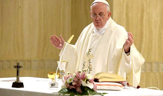 Papa Francesco a Santa Marta 'la gioia del popolo di Dio perché Dio era con loro'3