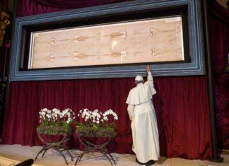 Sacra Sindone, ostensione straordinaria nel 2020 in occasione del prossimo incontro europeo di Taizé a Torino3