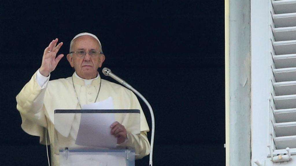 Papa Francesco parla del video in cui si arrabbia con una fedele