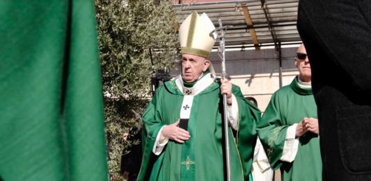 Bari, Papa Francesco lancia un appello per la Siria 'Si mettano da parte gli interessi'