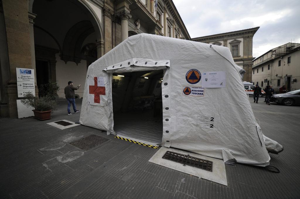 Coronavirus, mentre l'Italia cerca di ripartire, si registrano i primi contagi in Europa