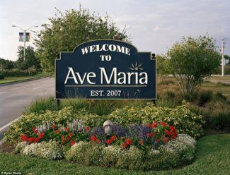 Cosa ci fa in Florida una città chiamata 'Ave Maria'?