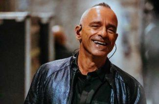 Eros Ramazzotti cantava 'Nato ai bordi di periferia'. La sua gente gli dedica un murale di 15 metri